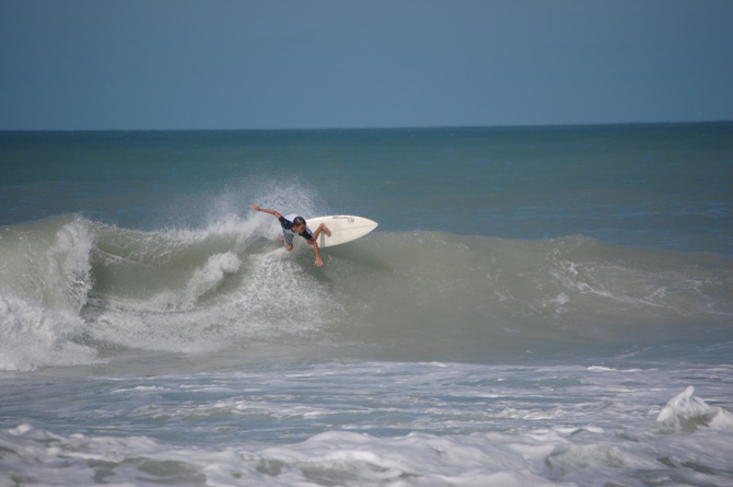 naples surfer sterling foster surfing hurricane ike